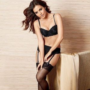 Black Lace Bra & Garter Belt Set